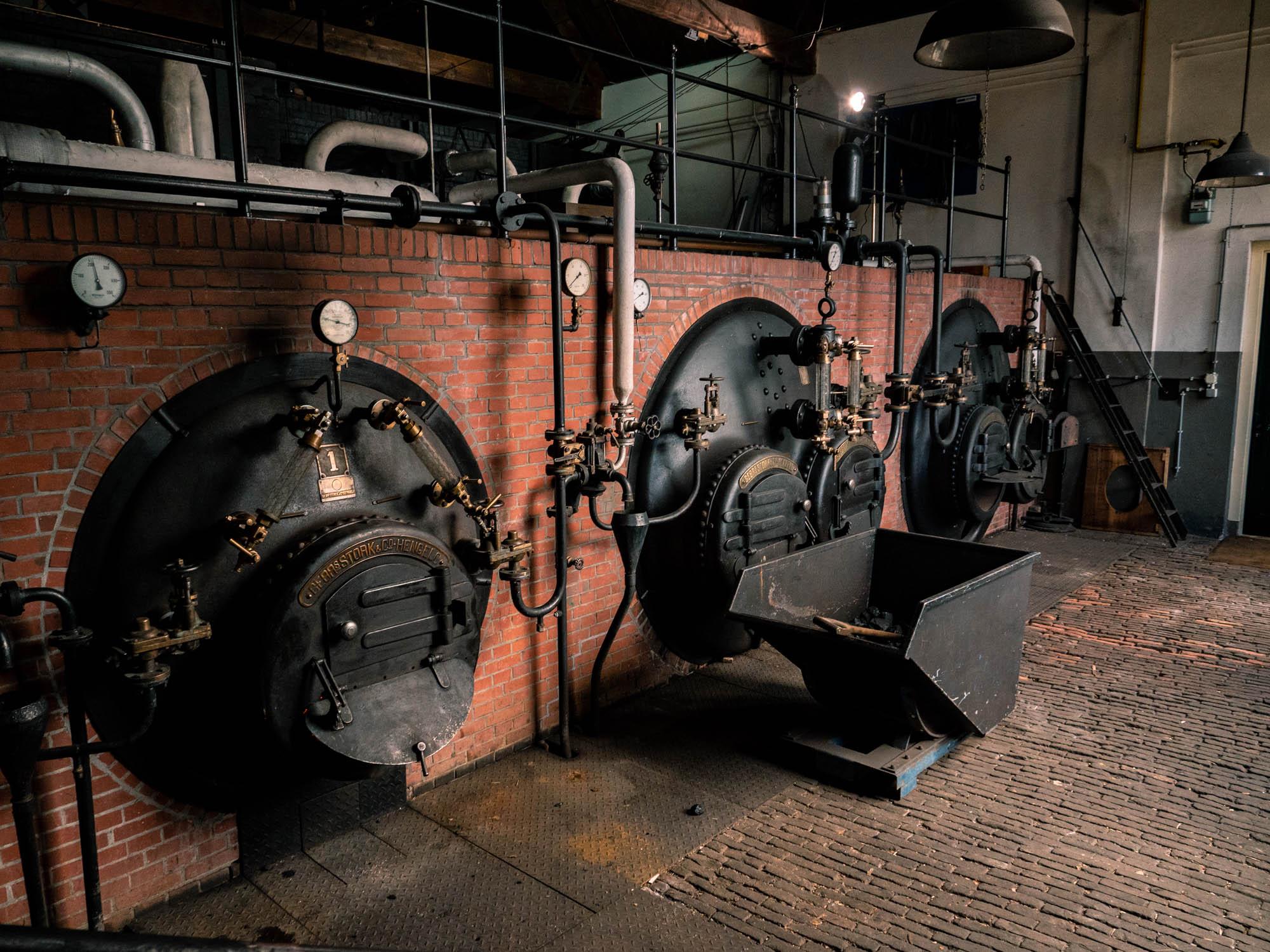 De ketels in de stookruimte van Stoomgemaal De Tuut